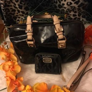Michael Kors Patented & Leather Bag & Wallet